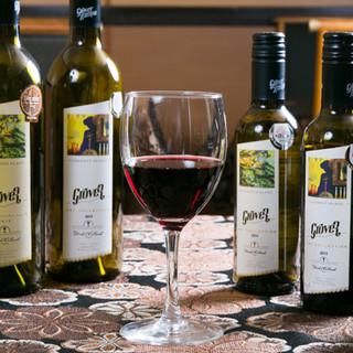 インドワインをはじめ、ドリンクメニューも当店ならではの品揃え
