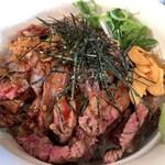 Shokudounikuzaemon - ステーキ丼200g(1,200円税込)。ライスはデフォルトで中、です。大ライスも無料ですよ。