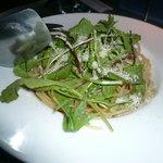 ミステリアス - ベーコンと野菜のパスタ