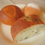 アブラッチォ&バッチォ - 自家製パン