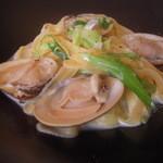 アブラッチォ&バッチォ - 蛤のクリームパスタ