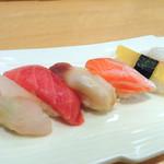 よし寿司 - 料理写真:よし寿司にぎり