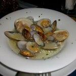 アンジェロ シシリー - 「アサリとムール貝の白ワイン蒸し」だったがムール貝がなくて、ハマグリで