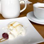 アロマ デル ソーレ - パンナコッタと紅茶