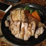 103519944 - 鶏もも焼塩麹焼き