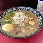第二又一 - デラックス スープは丼を持ち上げ豪快にすするのが此方のしきたり レンゲはありません