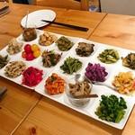 103529053 - 野菜の前菜盛合せ野菜の前菜盛合せ