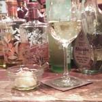 オットニ - お通し、白ワイン