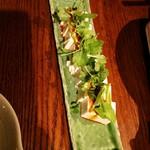 創作料理ほしみや - パクチーと食べるラー油がアクセントの豆腐