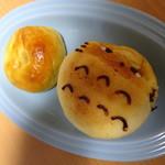 パン・ド・プルーブ - りんごあんぱんとクリームパン つぶれちゃってごめんなさい