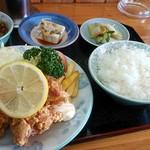 中華飯店青柳 - から揚げ定食
