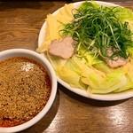 広島風冷しつけ麺・楽 - つけ麺 大盛