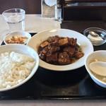 Tempujou - 豚バラ肉の煮込み!