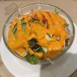 インドラ マハール - 謎のドレッシングサラダ