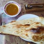 インディアン レストラン ダルバル - Aセット850円のチキンカレー中辛とナン