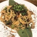 富山の名産 ホタルイカと大葉のスパゲッティ
