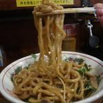 武蔵野アブラ学会 - 油そば大盛の麺