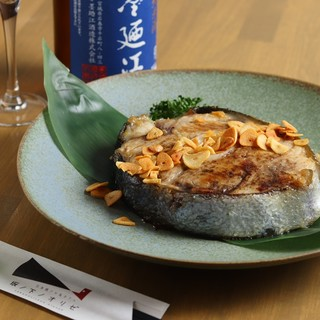 まぐろのテールステーキ♪日本酒と合う料理にこだわってます!