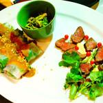 台灣食堂 - 前菜3種(パクチーとエビの生春巻き、パクチーの根っこの和え物、鹿肉タタキ パクチーソース)