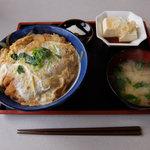 富士アイス - 煮カツ丼(940円)
