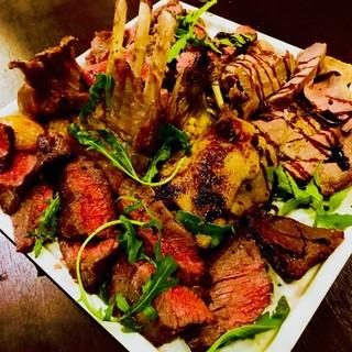 肉のスペシャリストが振舞う肉イタリアン