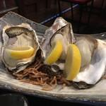 旬彩酒房 海彦山彦 - 仙鳳趾(せんぽうし)牡蠣を焼き牡蠣