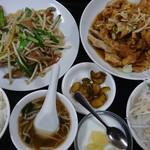四季紅 - 料理写真:ニラレバ定食 980円