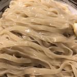 づゅる麺池田 - 塩つけ麺の麺は平打ち