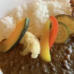 フジヤマ キッチン - 無添加ベーコンと彩り野菜のカレーライスの野菜