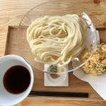 うどん製麺 みきや - 大かき揚げうどん(冷)+麺(特盛)…税込650円+200円