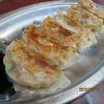 芳味園 - 特製餃子