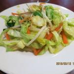 芳味園 - お酒のお供(野菜炒め,サービス品)