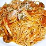 ITALIAN GARDEN - スパゲッティー(きのことソーセージのトマトソース)