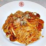 ITALIAN GARDEN - スパゲッティー(きのことソーセージのトマトソース)全景