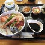 旬彩香房ますざき - 料理写真:海鮮丼定食=1300円 税込