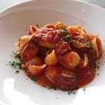 Mar Rosso - 牡蠣とブロッコリーのトマトソース コンキリエ
