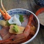 うおがし丼 かんの - 海鮮丼