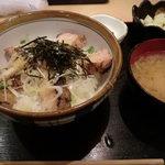 南国惣菜デリ&デリ - 本日おすすめ 気まぐれ丼 塩だれ焼鳥丼 ¥750