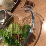 琉球じゃじゃ麺屋 モガメン - パクチーナムルもやし盛り