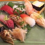 玄海鮨 - 梅にぎり+2貫