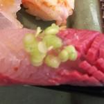 玄海鮨 - カンパチ  仕事が細かい