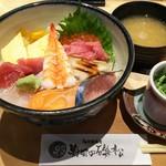 103614999 - ちらし寿司 1000円、味噌汁と茶碗蒸しが付きます