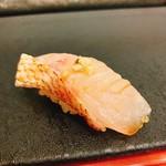 奴寿司 - のど黒・刻んだワサビ