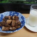 立呑処 新多聞酒蔵 - マレーシアチャーシュー & にご酒