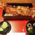 舟屋 - Oh〜  圧巻(^O^)   1.5ひき分の鰻ちゃん、見事に完食しました♫  肝吸いの肝もデカイです。