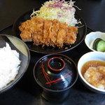 とん鈴 - バラカツランチ(882円) 11.09.04.