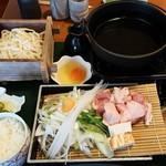 海鮮れすとらん 四季庵 - とりすき鍋定食