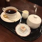 湖月堂 喫茶去 - 珈琲 (お菓子付き)