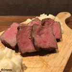 肉バルサンダー - いわて短角牛サーロイン