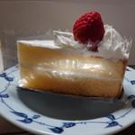 中島屋洋菓子店 - イチゴのショートケーキ